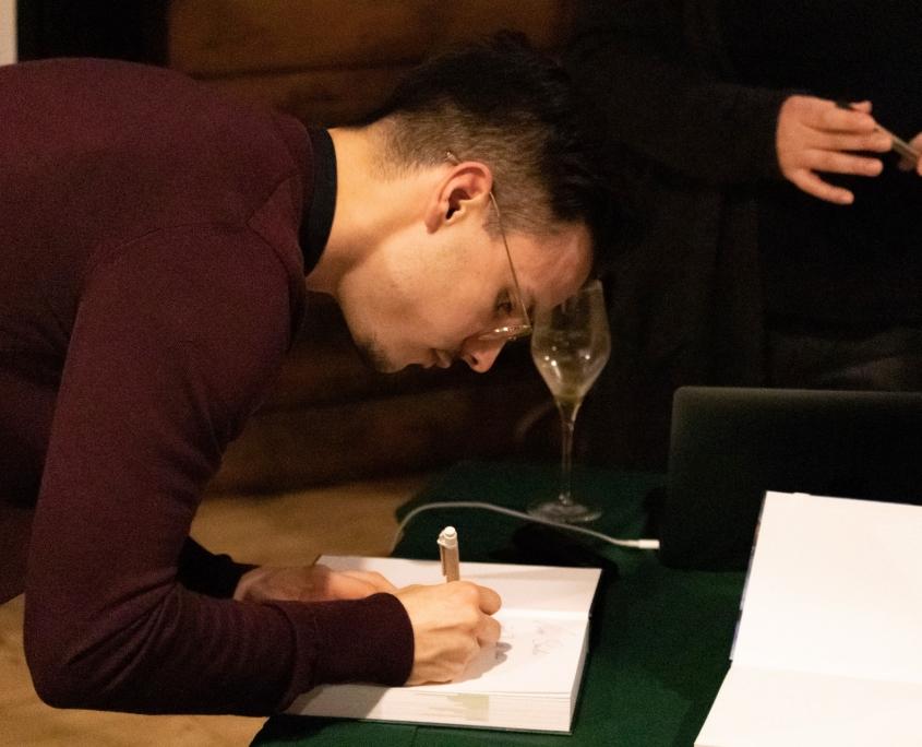 Veranstaltung mit Niko Rittenau - Büchersignierung durch Niko Rittenau