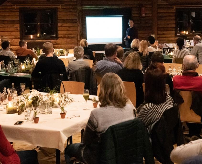 Veranstaltung mit Niko Rittenau - Gäste in der Diemelhütte
