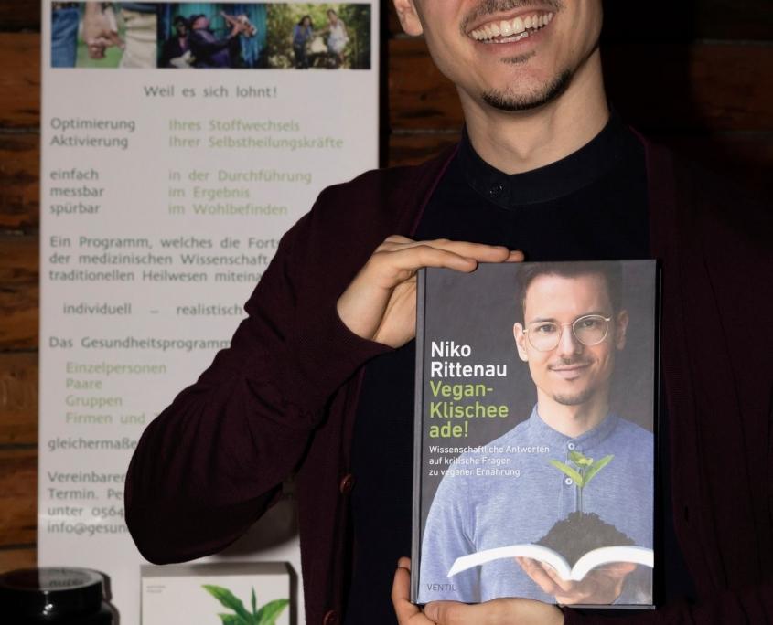 Veranstaltung mit Niko Rittenau - Bücherpräsentation durch Niko Rittenau